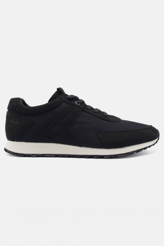 Low Seed Runner - Black - 45
