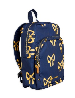Bow backpack Blue - Chapter 1