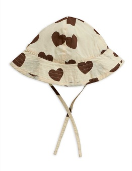 Hearts sun hat - Chapter 2