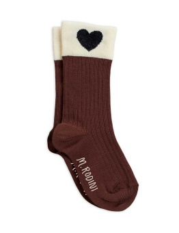 Heart socks brown - Chapter 2