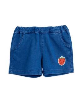 Denim strawberry shorts - Chapter 1