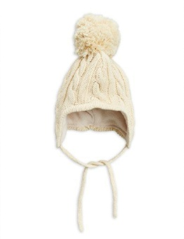 Cable knitted baby hat ottwhite
