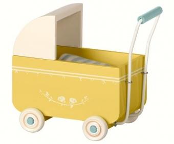 Maileg - Barnvagn i trä, gul