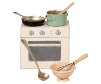 The set includes a pot, pan, strainer and utensils.