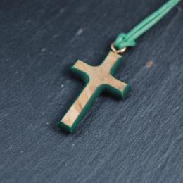 Färgade kors i olivträ från Nasaret