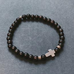 i79e Svarta pärlor och metallkors