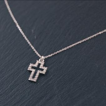 i10 Halskors silver/kristall