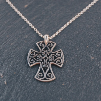 i35 Ornamenterat kors