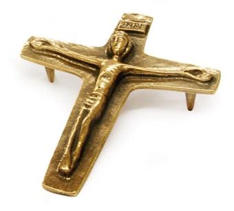 Krucifix i brons 13,5x11,3cm bordsvariant
