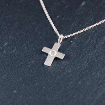 Kors, handgjort i silver, 12 mm, inkl kedja