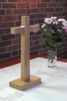 Det lilla korset, ek, 33 cm högt