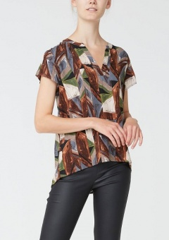 Annica V-Neck Blouse