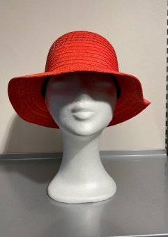 Hatt Cloche mix coral