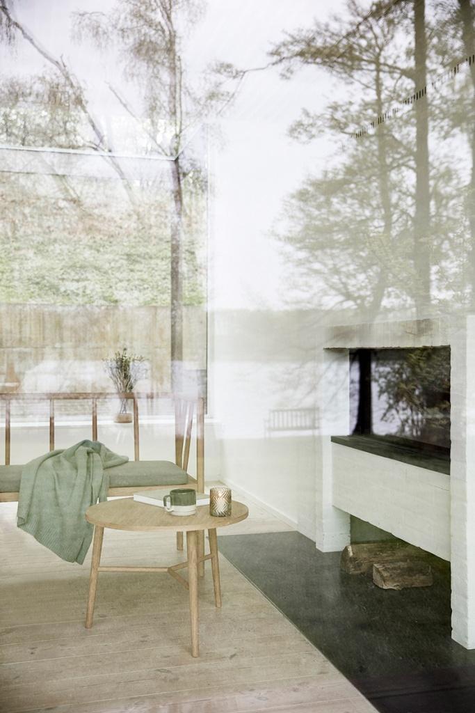 Soffbord ek stor ø60xh50cm