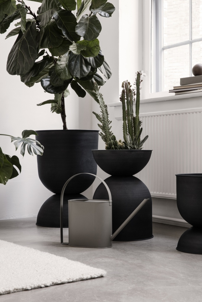 Ferm Living Bau Watering Can Black Large