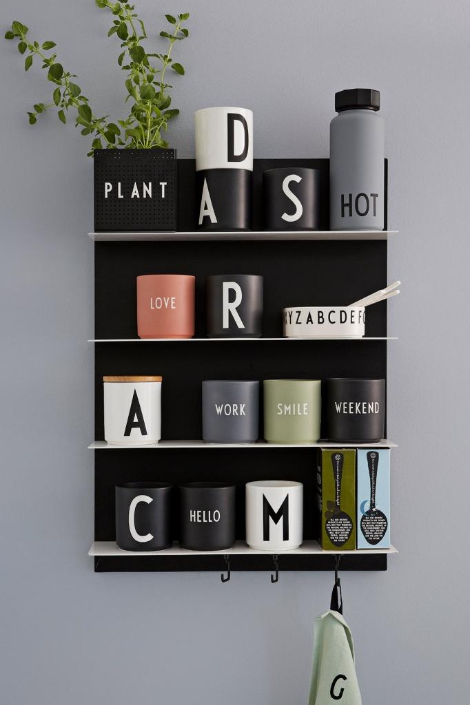 Design Letters Favoritkopp Svart HELLO