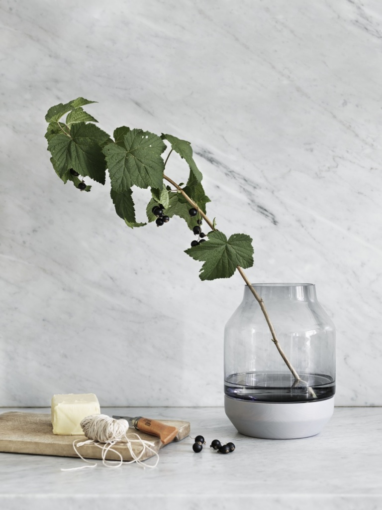 Muuto Elevated Vase Grey/Grey