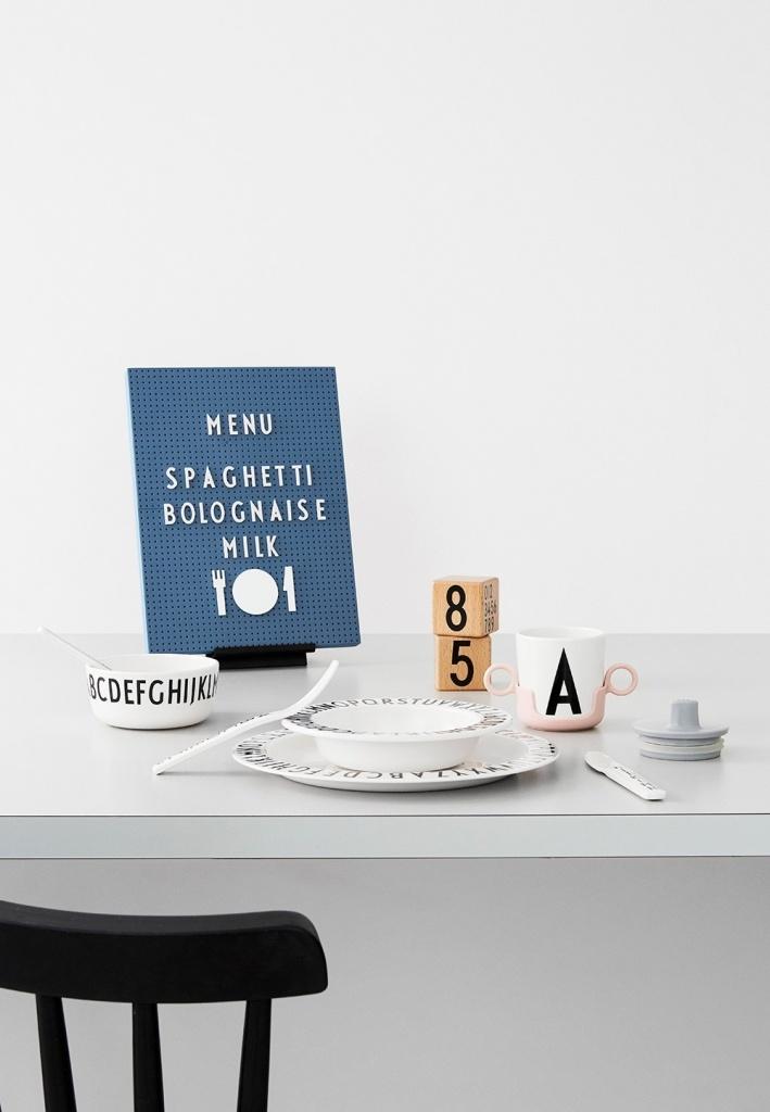 Design Letter Symboler Food Vit