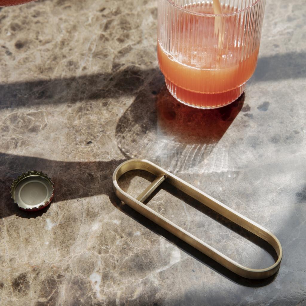 Ferm Living Fein Flasköppnare Brass