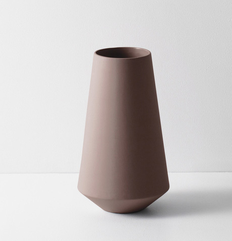 Ferm Living Well Sculpt Vase Rust