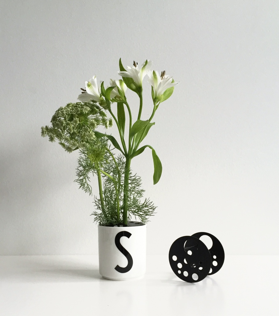 Design Letters Flower Holder Black