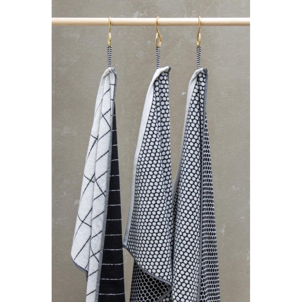 Mette Ditmer Grid Badhandduk 70×140 cm Black/offwhite