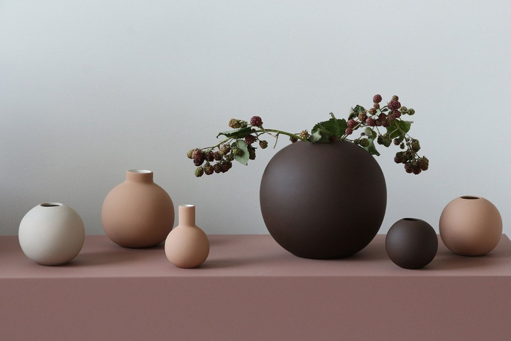 Cooee Design Ball Vase Coffe