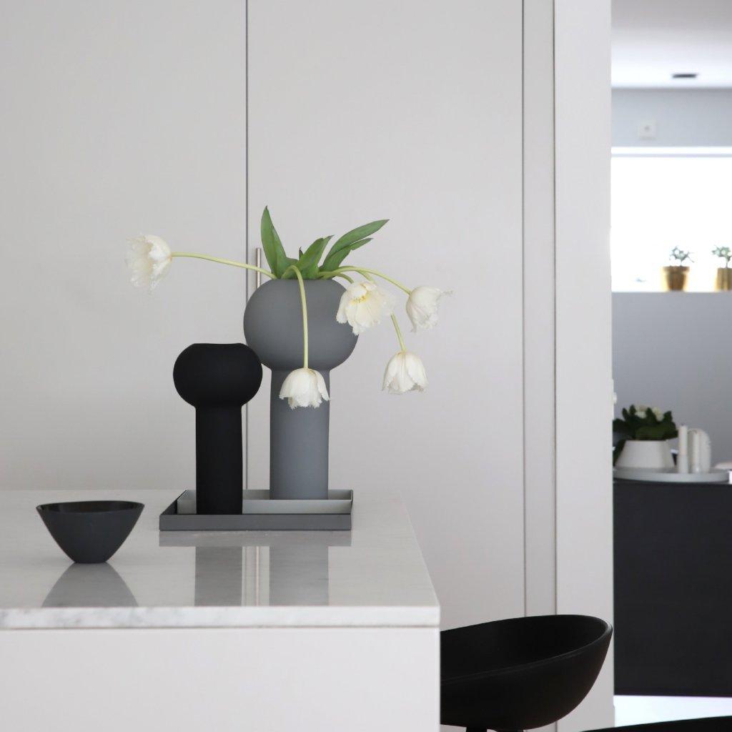 Cooee Design Pillar Vase 24 cm Black