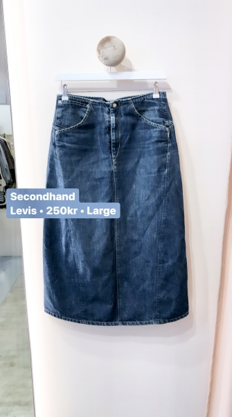 second hand LEVIS
