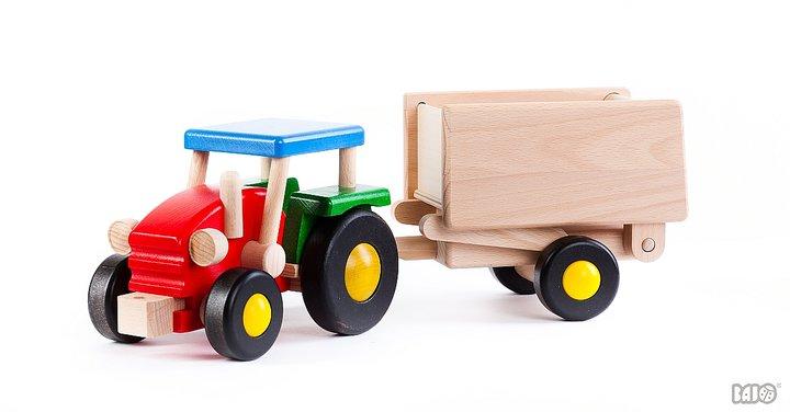 Traktor med vagn stor