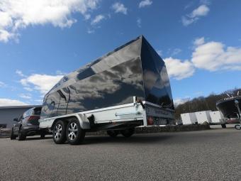 Täckt biltransporter med aluminiumkåpa 150cm  inv höjd 173 cm