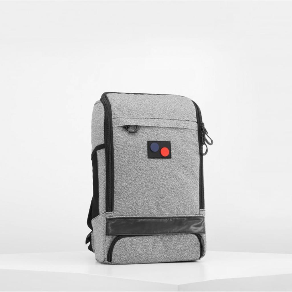 Cubik Medium - Vivid Monochrome