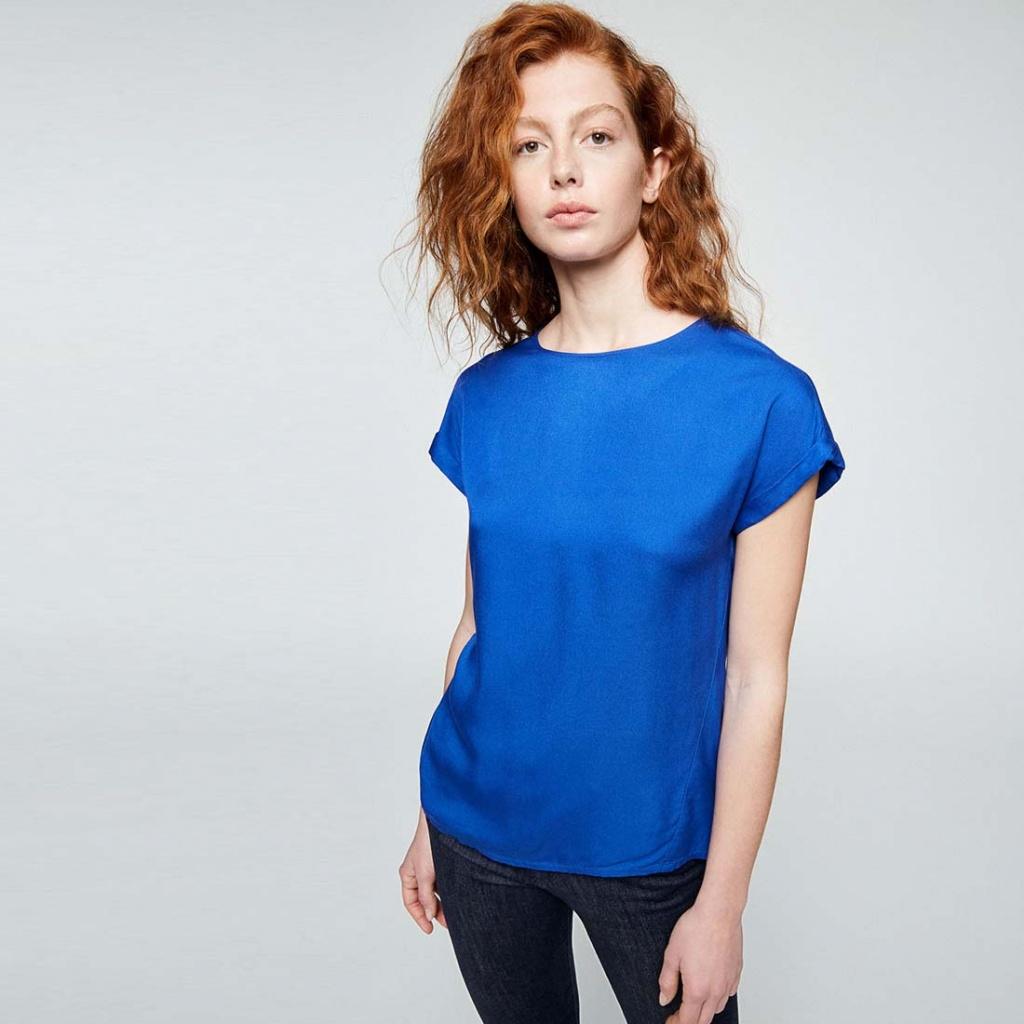 Lioraa - Signal Blue