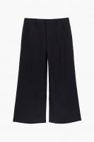 Cropped trousers black