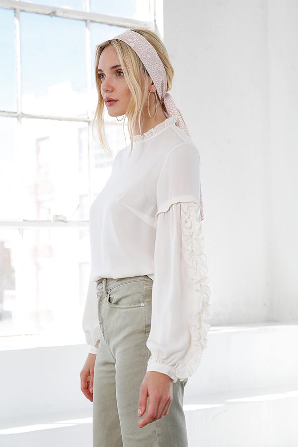 4ab1b5ebc7a524 Valeria Silk Blouse - Crème. White frill sleeve ...