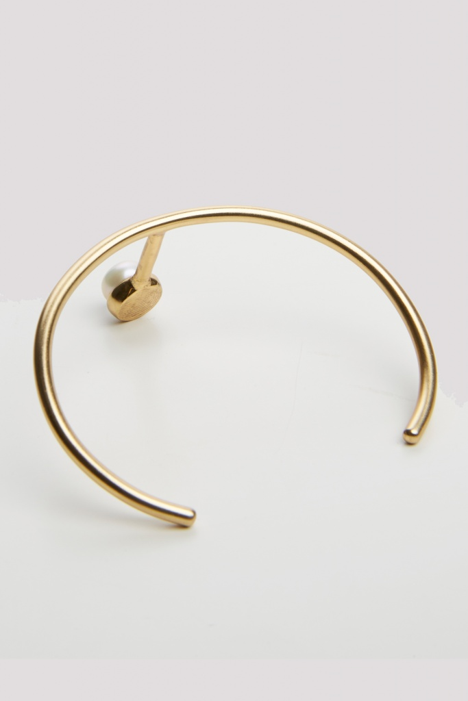 Pearled single cuff gold plated brass