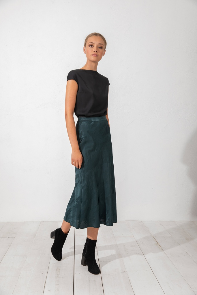 Hana camo skirt dark wood