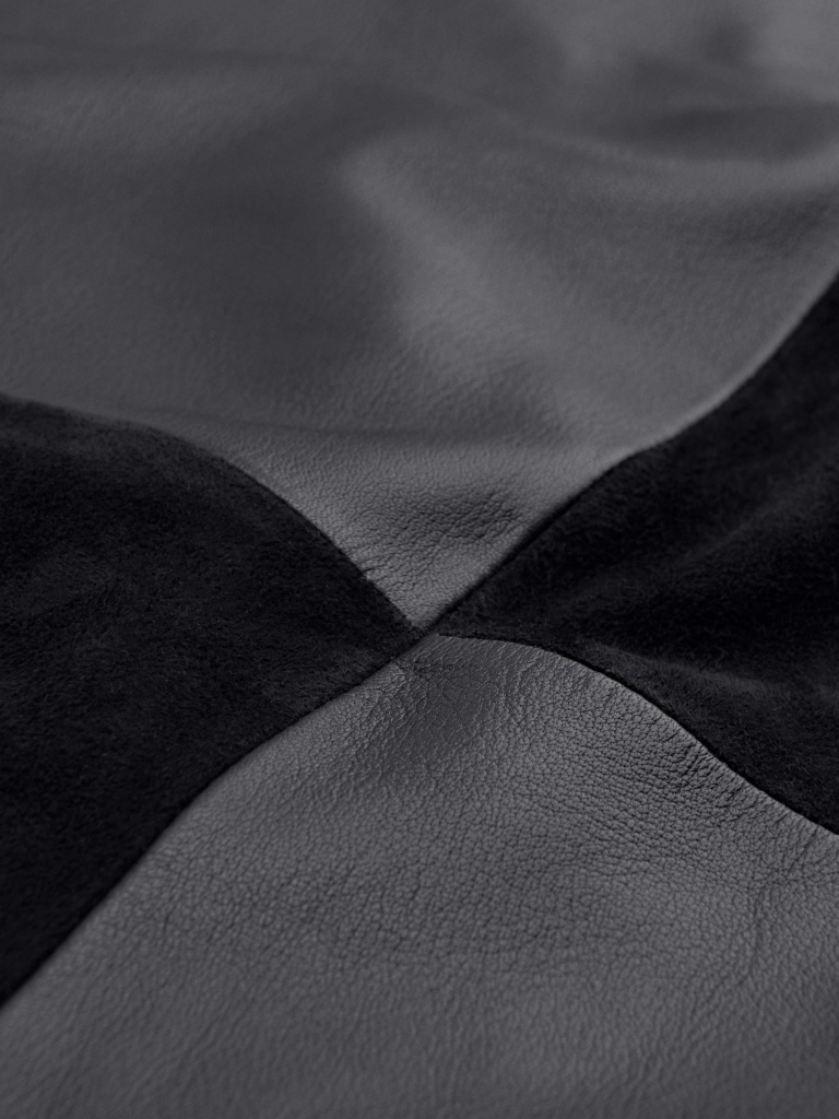 Ixora L Black