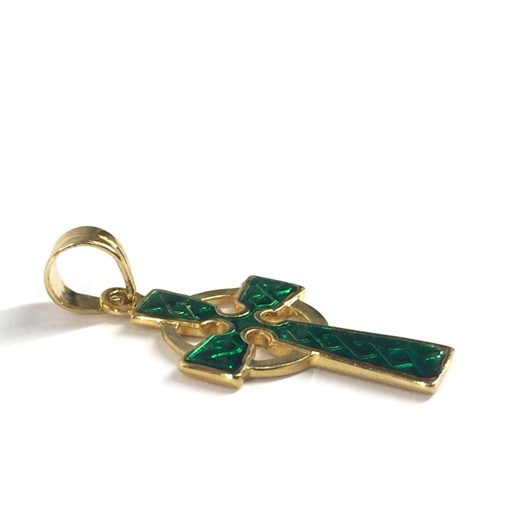 Keltiskt kors, förgyllt, grön emalj