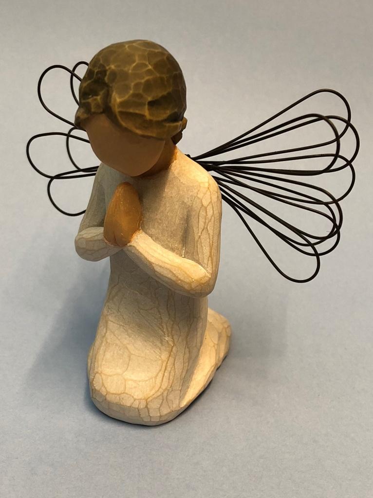 Bedjande ängel, knästående (Willow Tree)