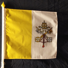 Vatikanflagga, fasad