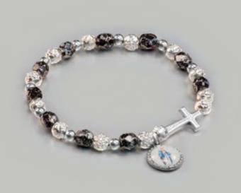 Armband m kors, svarta + rosformade silvriga pärlor